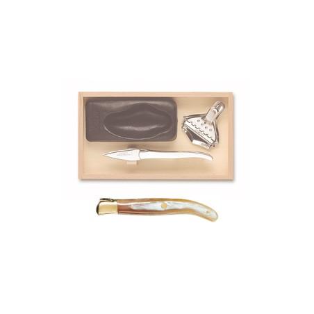 Wood box of Laguiole oyster set brass bolster